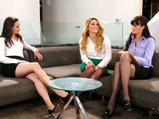 kalidad lesbians saya, sa turing babes ideal, bago threesomes puno