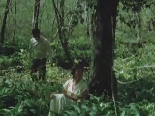 nackte frauen in der bush dschungel