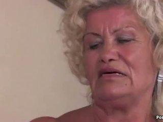 Nenek screams manakala fucked keras