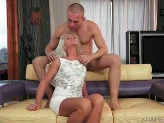 zuigen, oud actie, groot grootmoeder seks