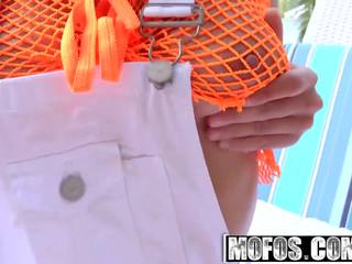 Mofos - Latina Sex Tapes - Julianna Jones - Flexible...