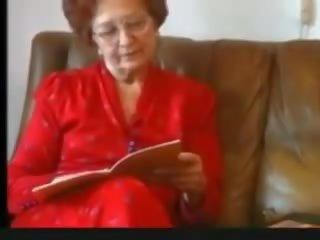 Granny Masturbates: Free Hairy Porn Video bb