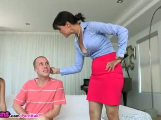 Moms Bang Teens - Stepmon shows Janice Griffith a couple things