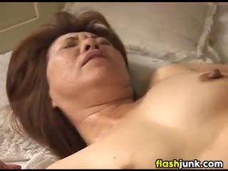 zien oma, controleren vingerzetting porno, vol slipje
