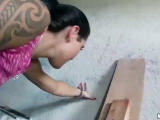 Tsjechisch meisje agata pounded voor sommige geld