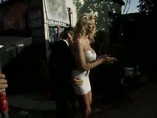 Briana banks sur la ensemble scène 2
