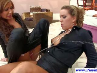מין קבוצתי, לסביות, פורנו hd, pissing in action
