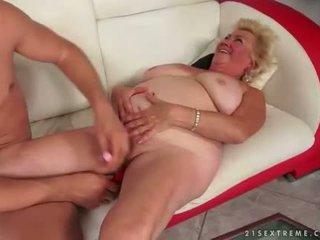 een zuigen seks, vers oud kanaal, alle grootmoeder video-