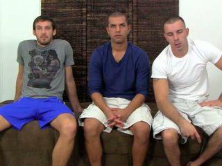 Nikko, carter & turk bermain homoseks pria truth atau dare