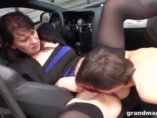 ganzgeil.com horny german milfs sucking a big dick in groups