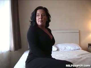 brunette neuken, mooi likken, vingerzetting seks