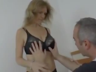 zien grannies, saggy tits