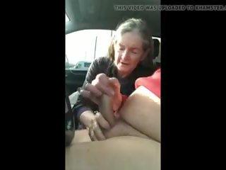 online grannies scène, online handjobs film, heetste cum slikken neuken