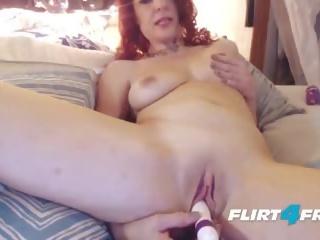 Seksi milf craves squirting