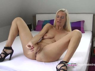 German MILF Squirting and Jerk off Instruction: HD Porn c0