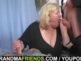 Double penetration untuk besar nenek
