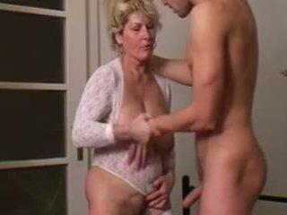 Reif mother's desire comes wahr