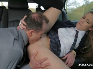 groot brunette, orale seks thumbnail, alle tieners