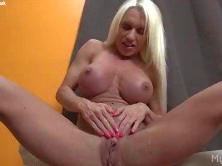 grote clit thumbnail, fbb, ideaal female bodybuilder neuken