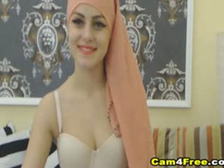 Minun kauniita muslim naapuri strokes hänen lelu