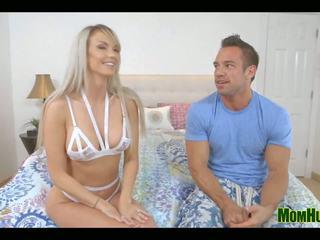 Just Right: MILF Hunter channel & Mom Porn Video