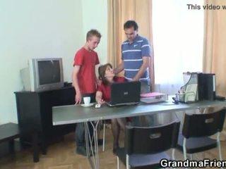 三人組 オフィス クソ とともに おばあちゃん <span class=duration>- 6 min</span>