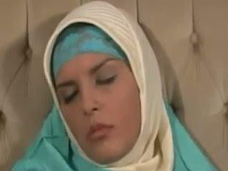 Horney arab गर्ल