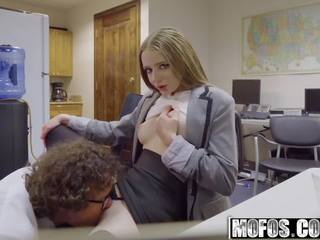 Mofos - Pervs on Patrol - Ava Hardy and Robby Echo...