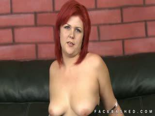 groot grote borsten, pijpbeurt porno, vol redhead thumbnail