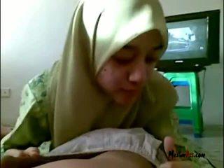 Hijab วัยรุ่น การดูด บอล