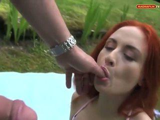 Das Nackedei Im Park: Free Amateur Porn Video 2d