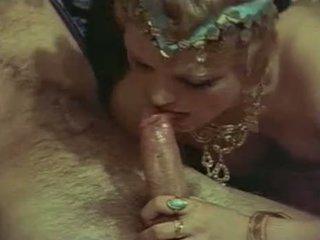 heetste brunette, hq orale seks, een groepsseks actie