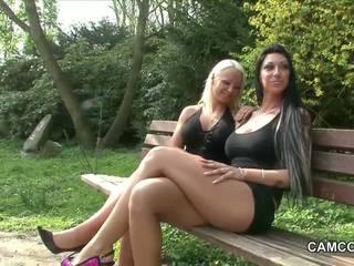 2 nemecké teens jebanie verejnosť v park s sexuálny sliedič