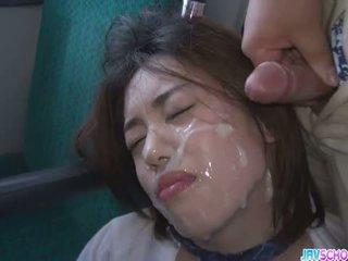Koolitüdruk yuna satsuki aasia suhuvõtmine ja avalik fuck