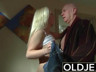 Horny Morning Sex Old Young Porn Girlfriend gets Fucked