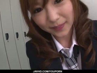 Miku airi الآسيوية تلميذة blows ل كبير قضيب