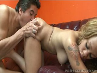 Hot Ebony Has Her Feet Licked And Then Receives A Hot Load