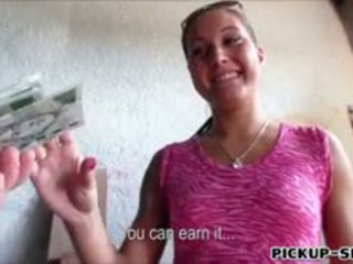 Ερασιτεχνικό ευρωπαϊκό γκόμενα agata banged για ένα chunk του λεφτά
