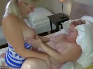 Oldnanny besta og tenåring masturbate med sextoy