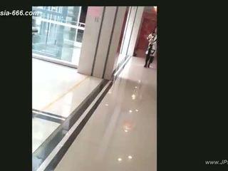คนจีน สาว ไป ไปยัง toilet.4