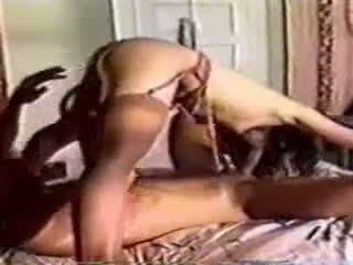 En klassiskt i säng kön med en människa och kvinna