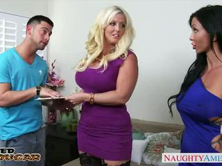 Chesty cougars alura jenson ja jewels jade sharing a suur riist