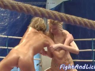 レズビアン euro wrestles 同時に oiledup, フリー ポルノの a9
