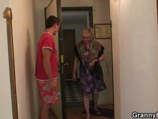 gratis grootmoeder neuken, oma thumbnail, zien volwassen