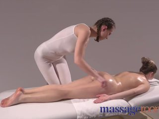 gratis brunette, massage film, hq pov kanaal