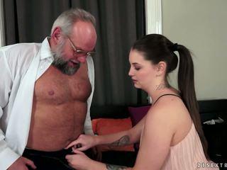 Angelina brill fucks an mai mari gentleman, porno 4d