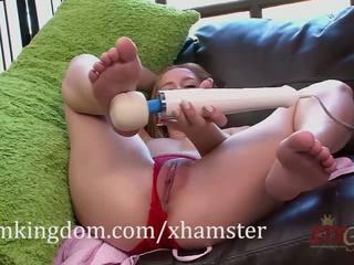 Hollie mack gets cunoscut cu the hitachi magic wand