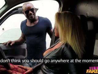 Aaliyah ca pelle - velký černý kohout značky cabbie připojenými opčními - porno video 471