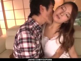 Nana ninomiya, caliente esposa, amazes hubby con completo porno