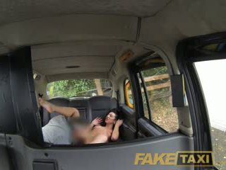 Faketaxi stable owner gets the นั่ง ของ เธอ ชีวิต